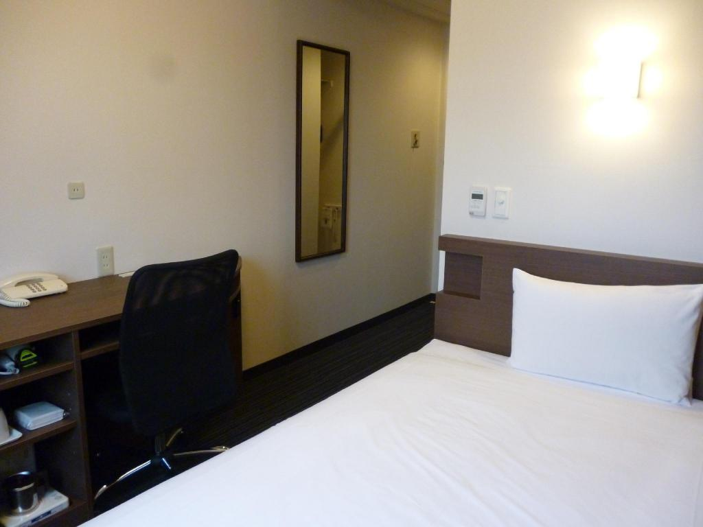 Single Room - Guestroom Smile Hotel Mito