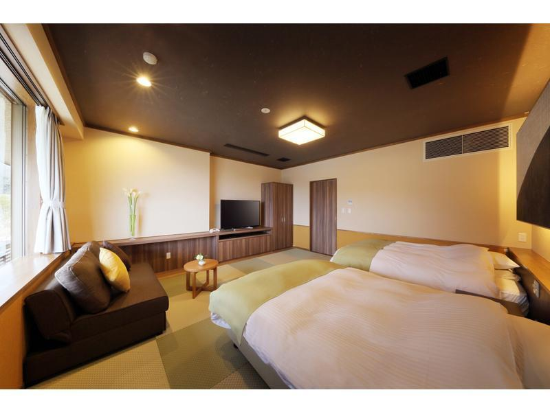 Japanese/Western-style Room (Twin Beds, Type B) *Has shower (Japanese/Western-style Room (2 Beds) *Has shower)