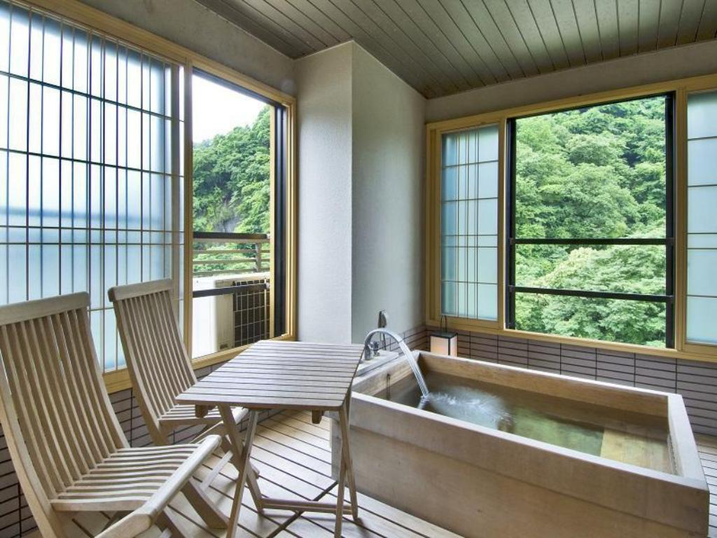 Japanese-style Room with Terrace Bath (Shofuku-no-Ma Type) - Guestroom