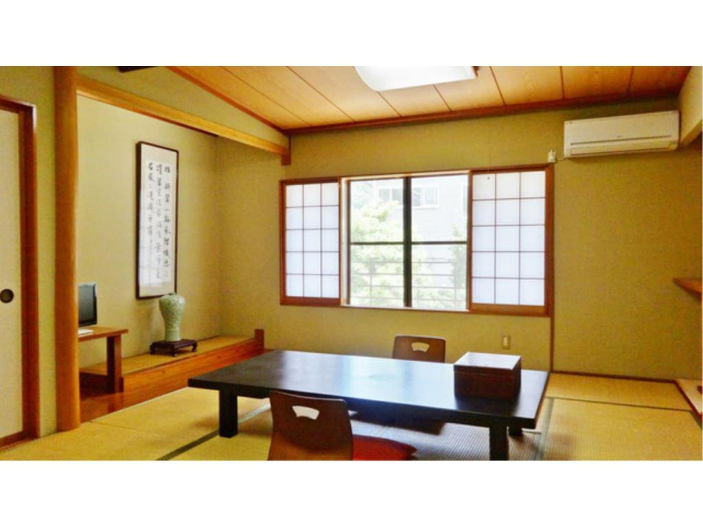 Japanese Style Room - Guestroom Tenryuso