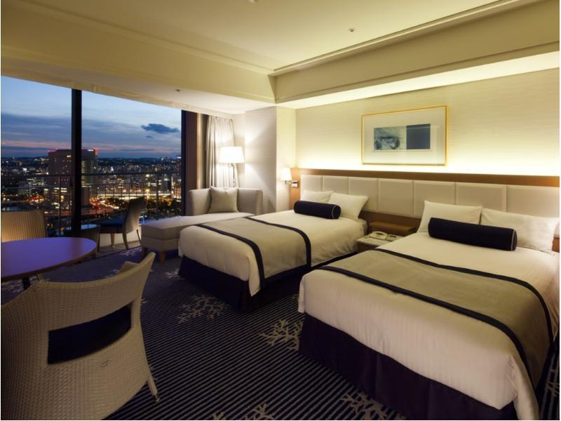 Twin Room (Bay Club Floor)