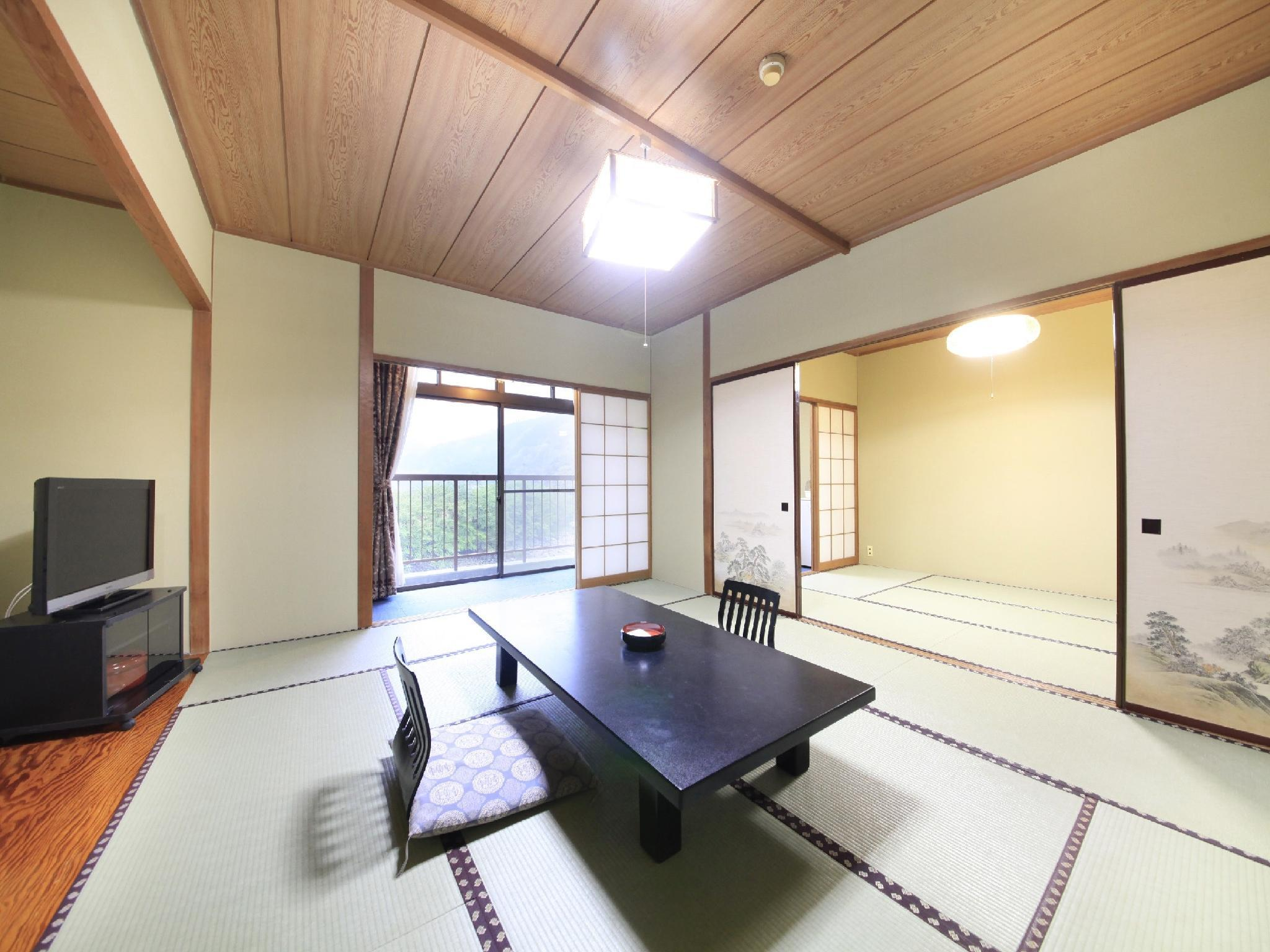 和室 (Japanese Style Room Main Building)