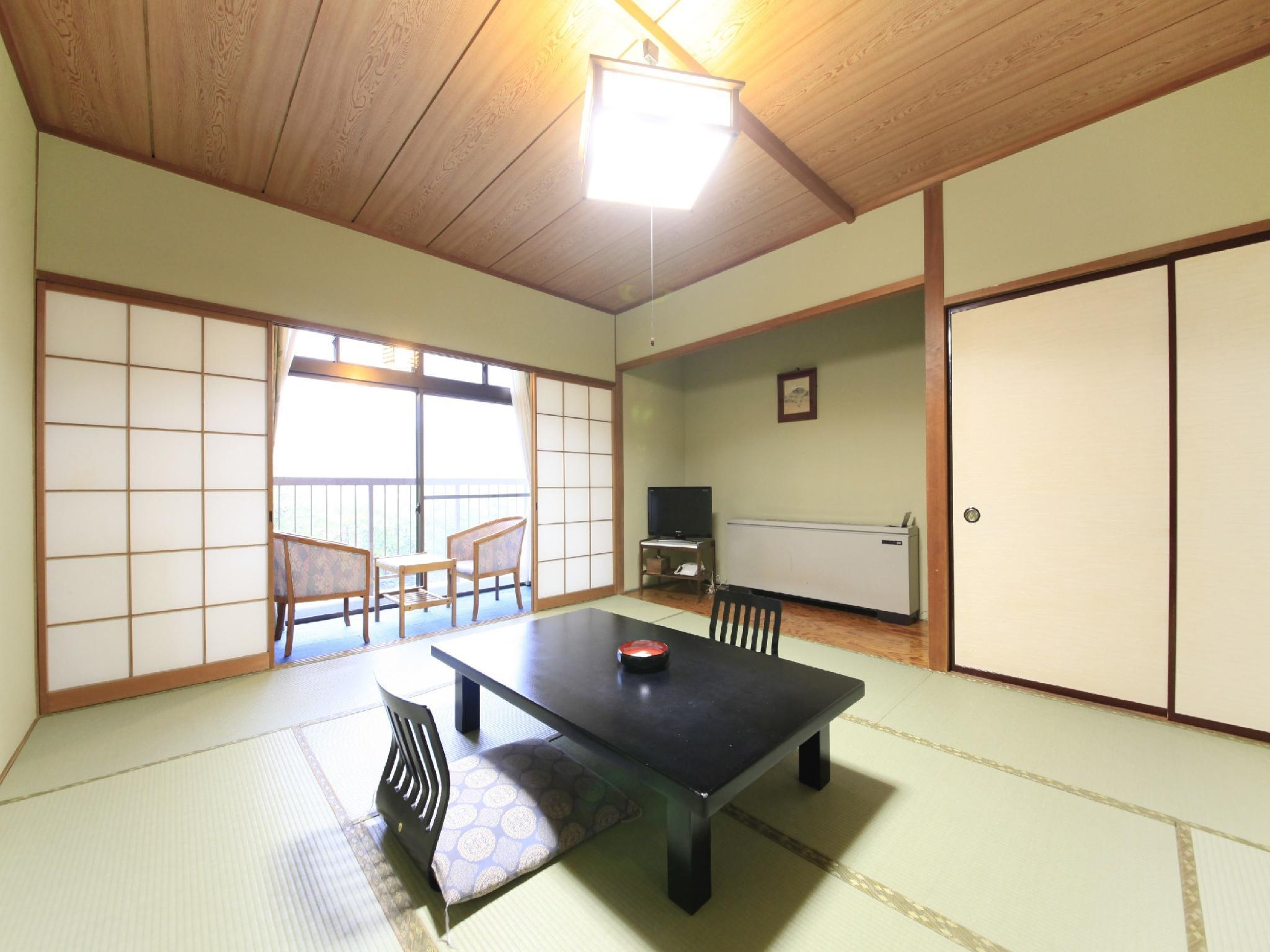 本館 和室 禁煙 渓谷側 (Japanese Style Room Main Building)