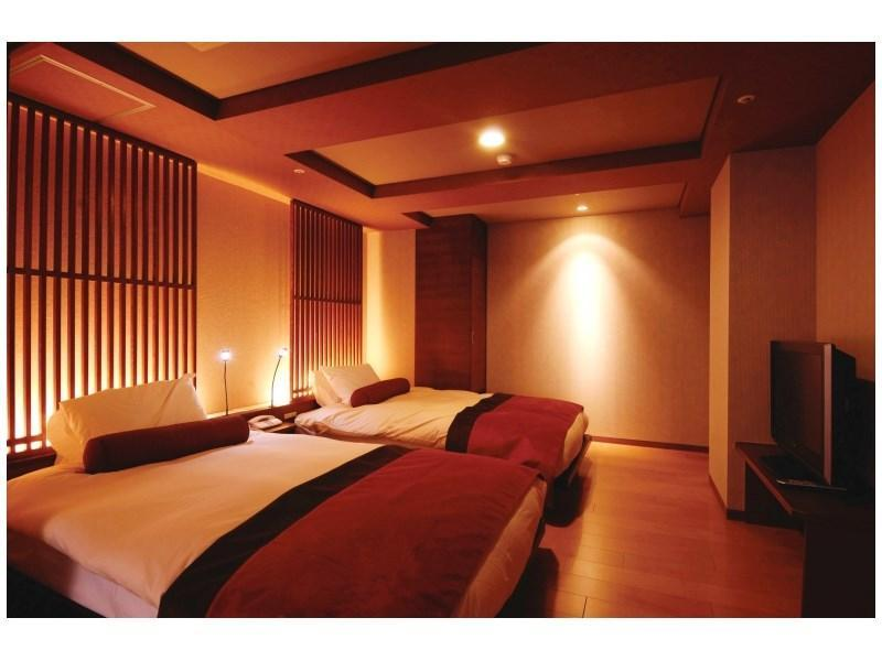 다다미 침대 객실(노천탕) (Japanese/Western-style Room with Open-air Hot Spring Bath (2 Beds))