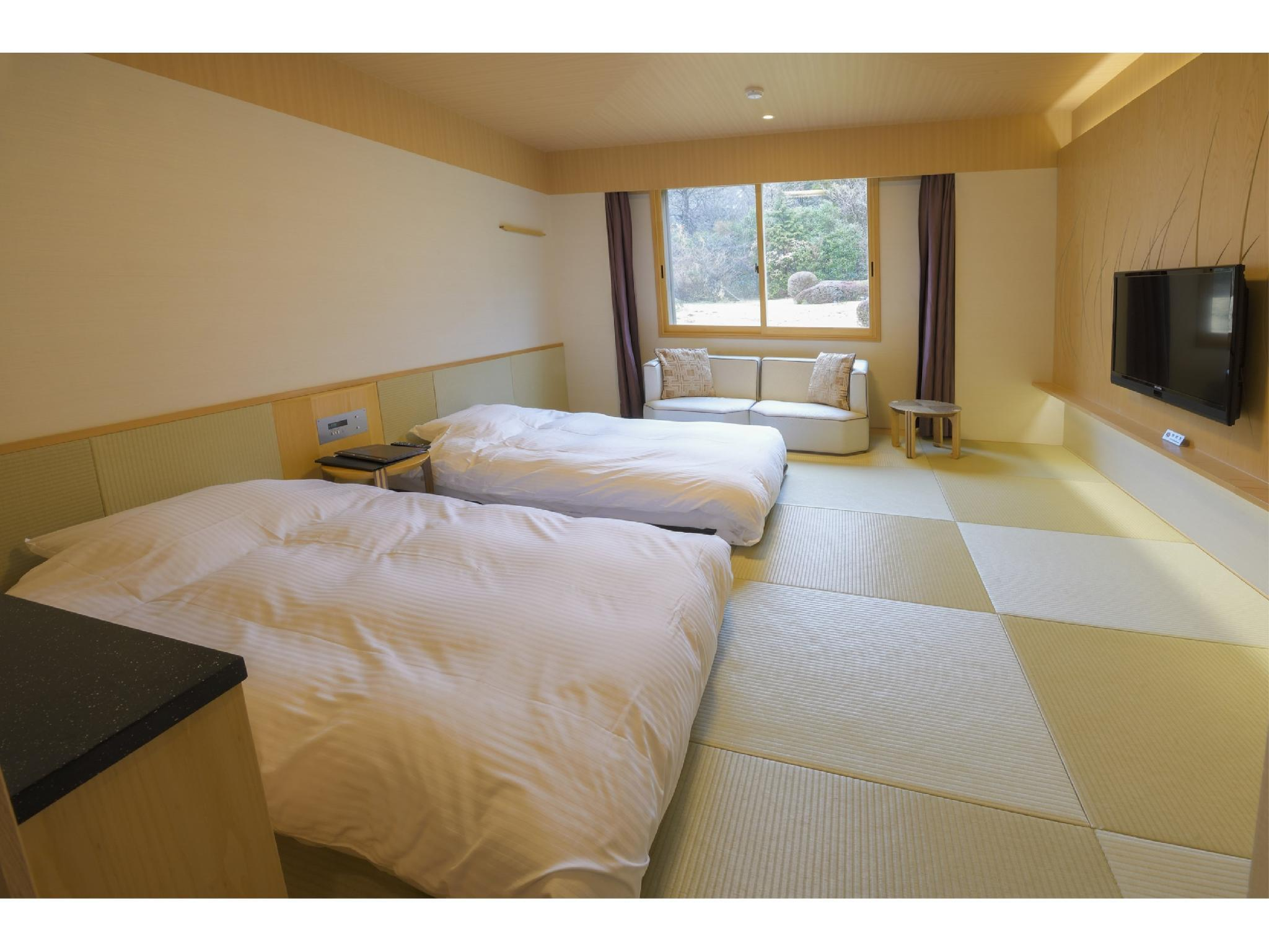 Japanese-style Room (Twin Beds) *Has toilet