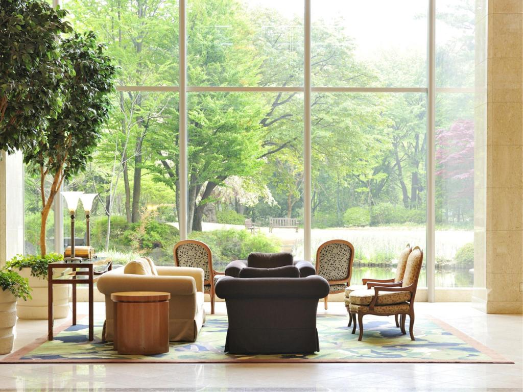 Lobby Forest Inn Showakan (Okura Hotels & Resorts)