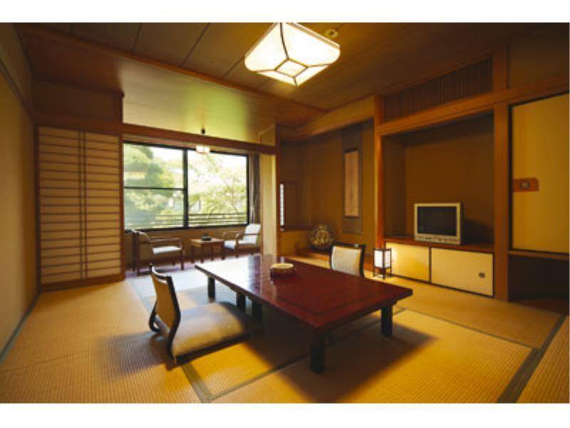 Japanese-style Room (Japanese-style Room (Type A, Garden View))