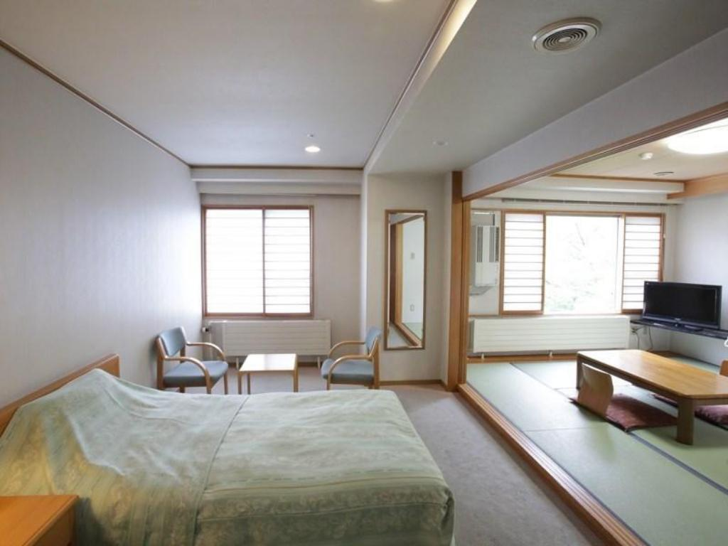 Japanese Western Style Room - Guestroom Hotel Saito