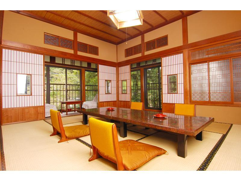 Japanese-style Room(10 tatami)*No bath in room