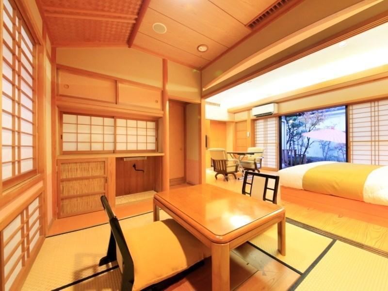 Japanese/Western-style Double Room with Open-air Bath (Yumedono Wing)