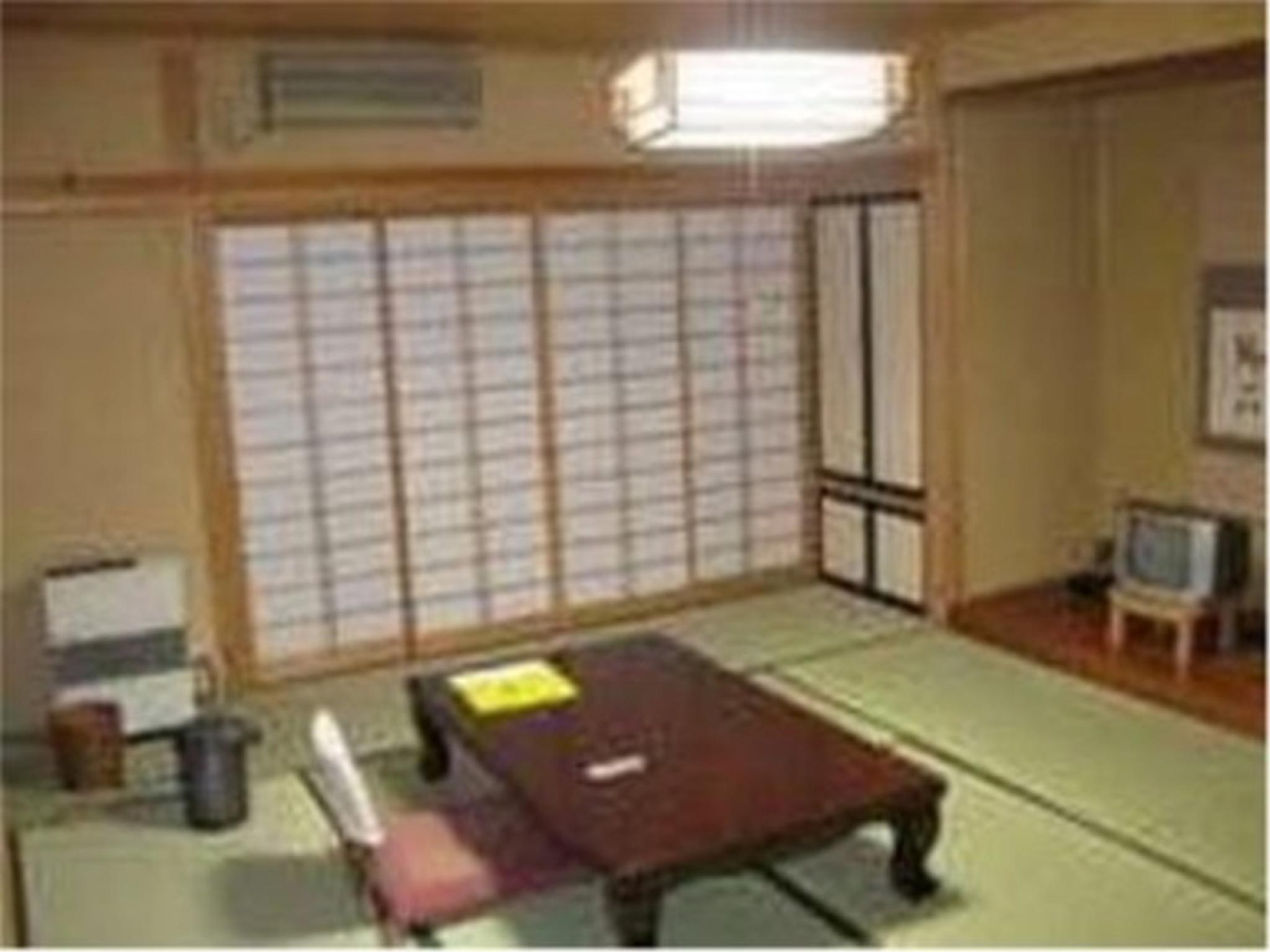 新館和室10畳◇斑尾◇|10畳 (Japanese-style Room (Madarao Type, New Wing))