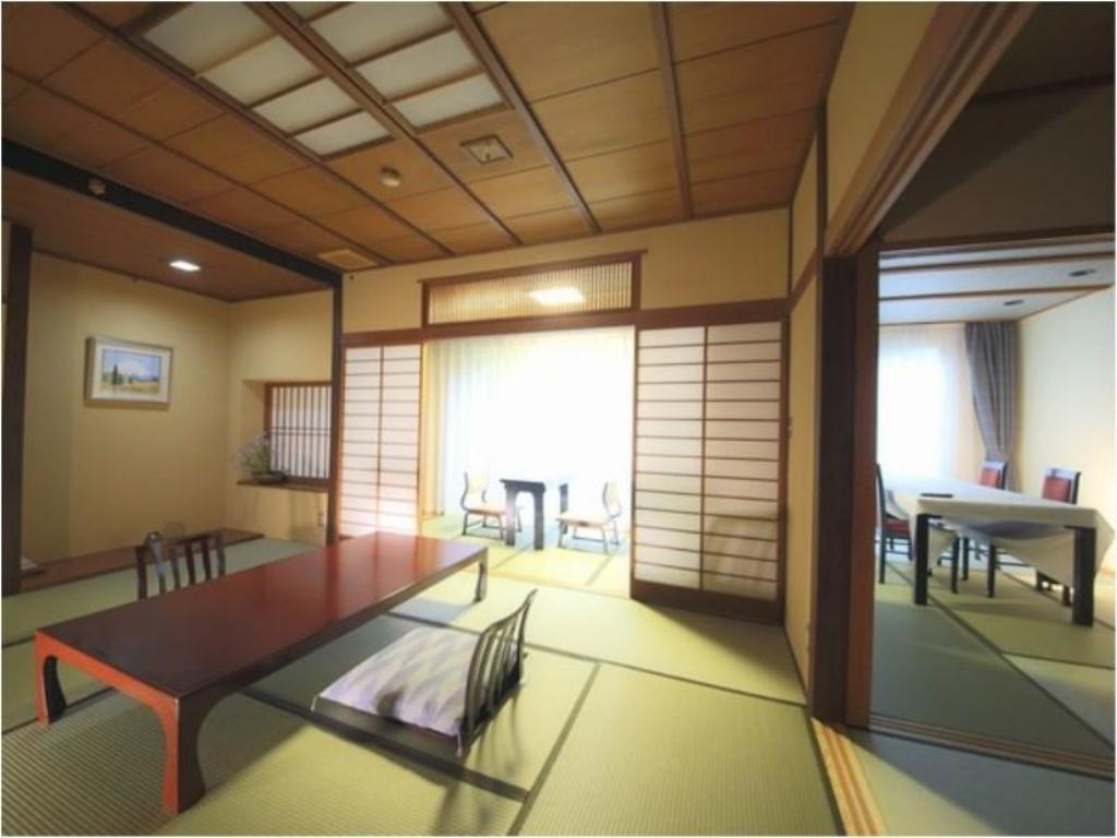 Special Japanese-style Room with Indoor Hot Spring Bath (Main Building) - ห้องพัก ฟุจิโนะยะ ยุเท (Fujinoya Yutei)