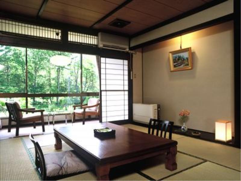 Japanese-style Room with Hiroen Space (Koma-no-Yakata)