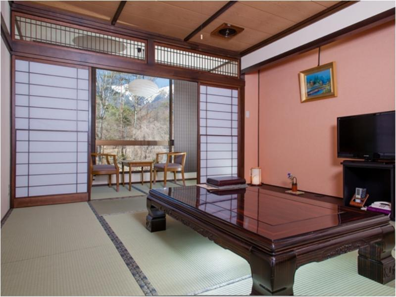 Japanese-style Room with Hiroen Space (Koma-no-Yakata) *Refurbished room