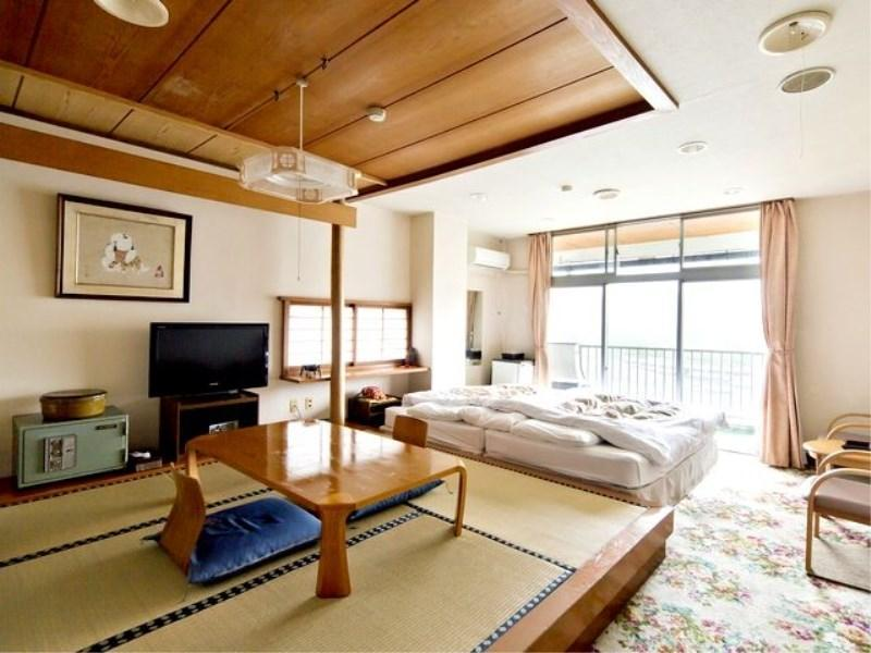 和洋式房(和式房+床+陽台) (Japanese/Western-style Room with Veranda (Japanese-style Room + Bed(s)))