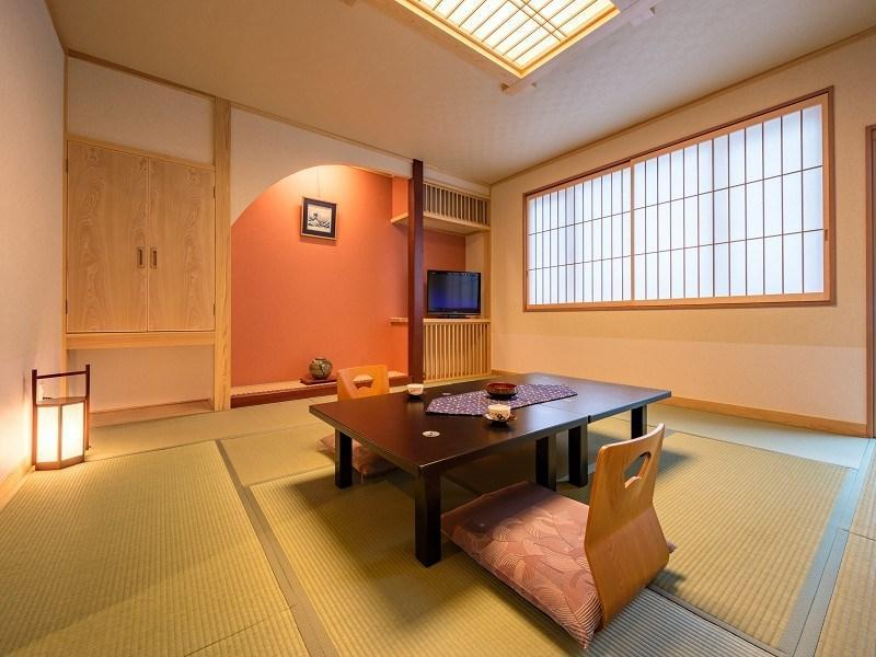 和式房+阳台(有厕所无浴室) (Japanese-style Room with Veranda *Has toilet, no bath in room)