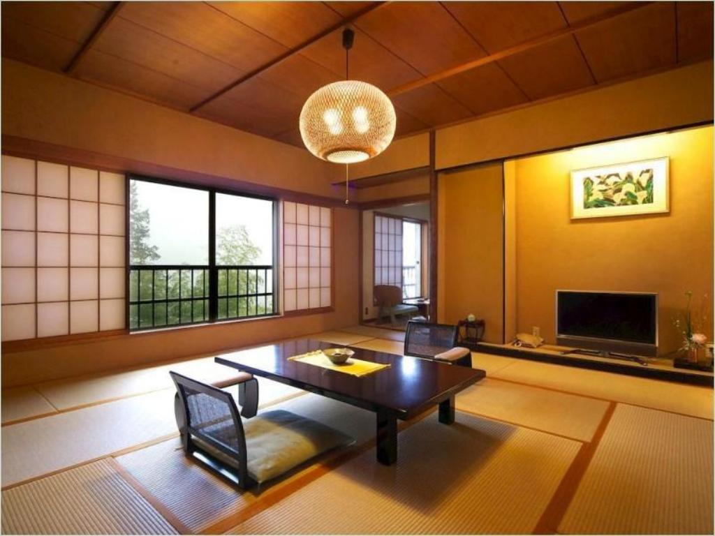 Japanese-style Room with Cypress Hot Spring Bath - Guestroom