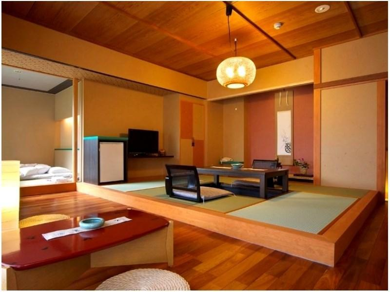 日式摩登和式房+日式凹桌+溫泉檜木風呂 (Modern Japanese-style Room with Hori-kotatsu & Cypress Hot Spring Bath)