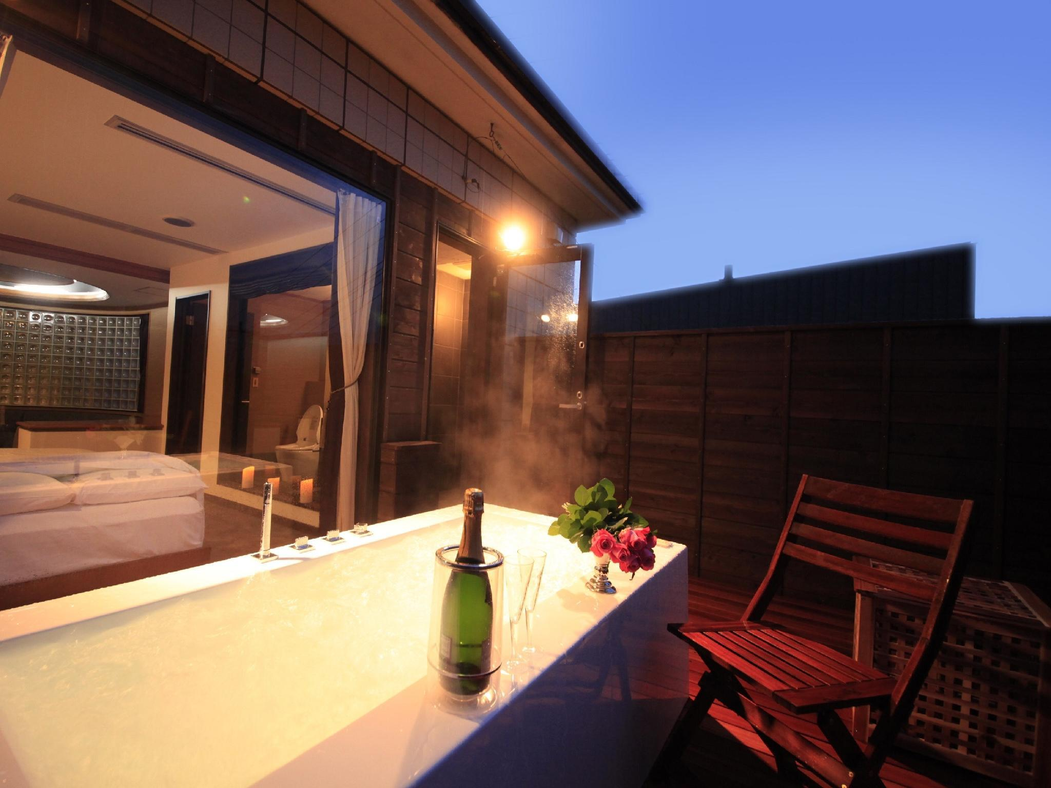 Special Suite with Open-air Jacuzzi