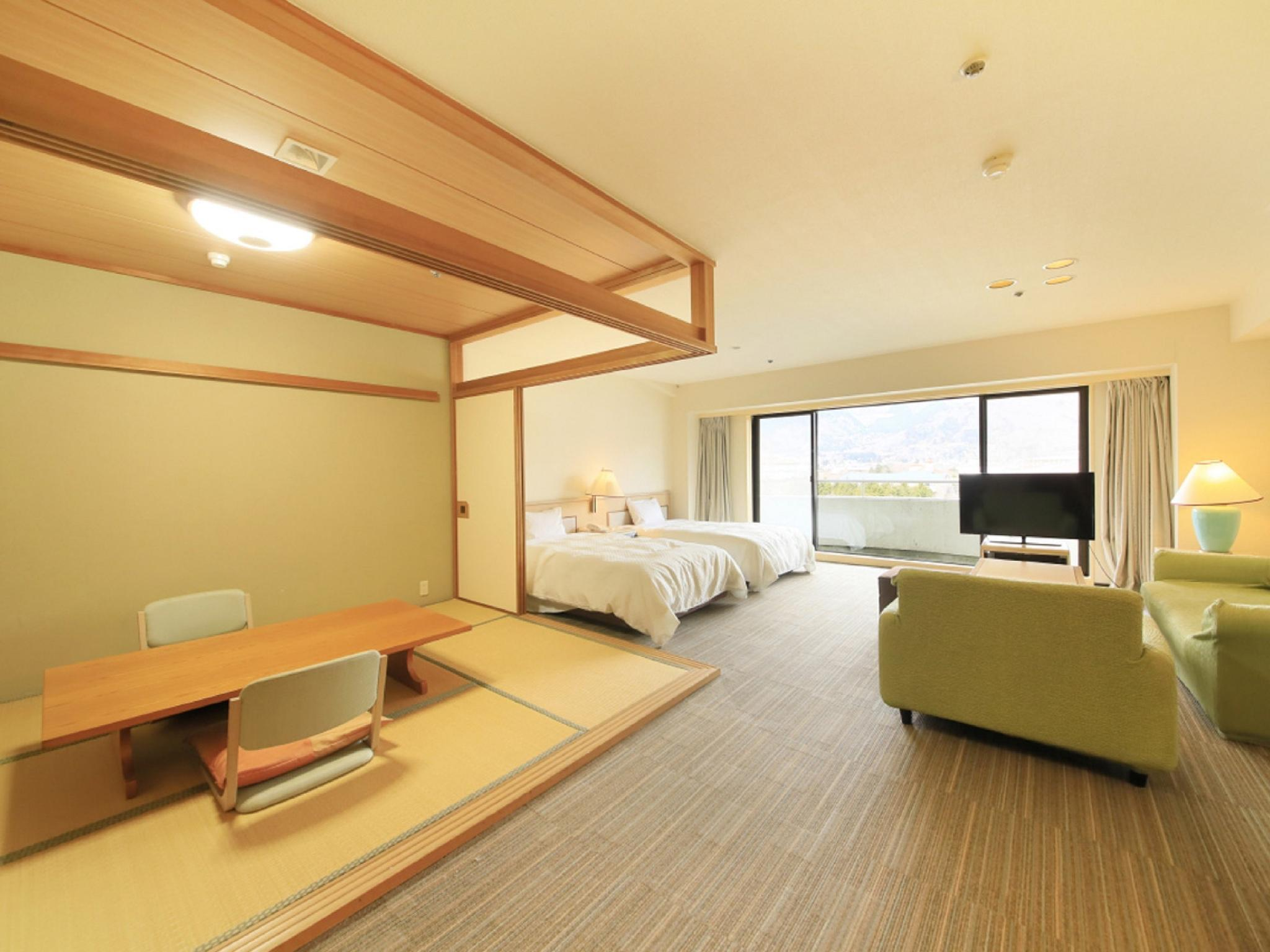 Japanese/Western-style Room (2 Beds, North Wing)