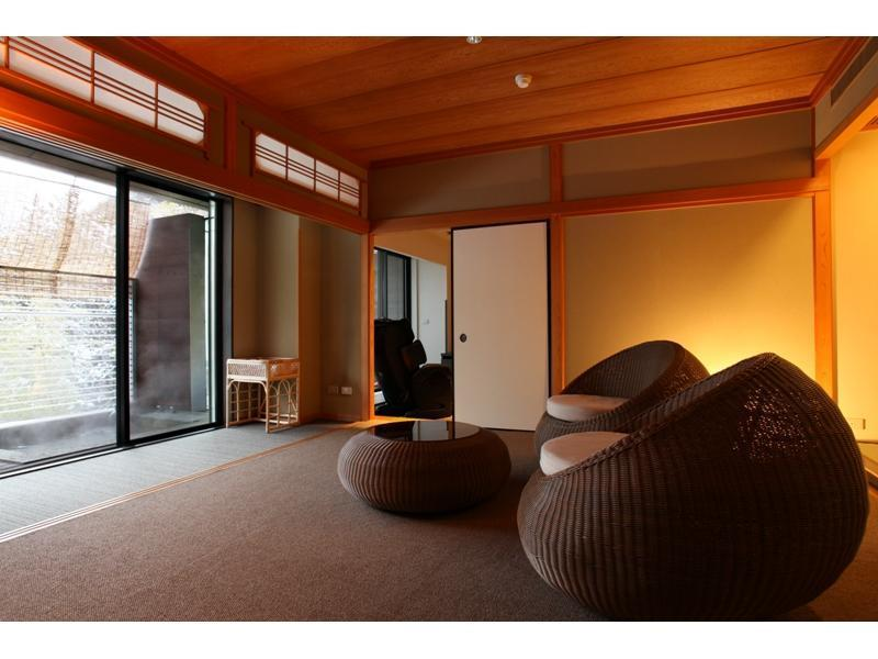 和洋式房 (Japanese/Western-style Room with Open-air Bath & Sauna (Mizubasyou Type))