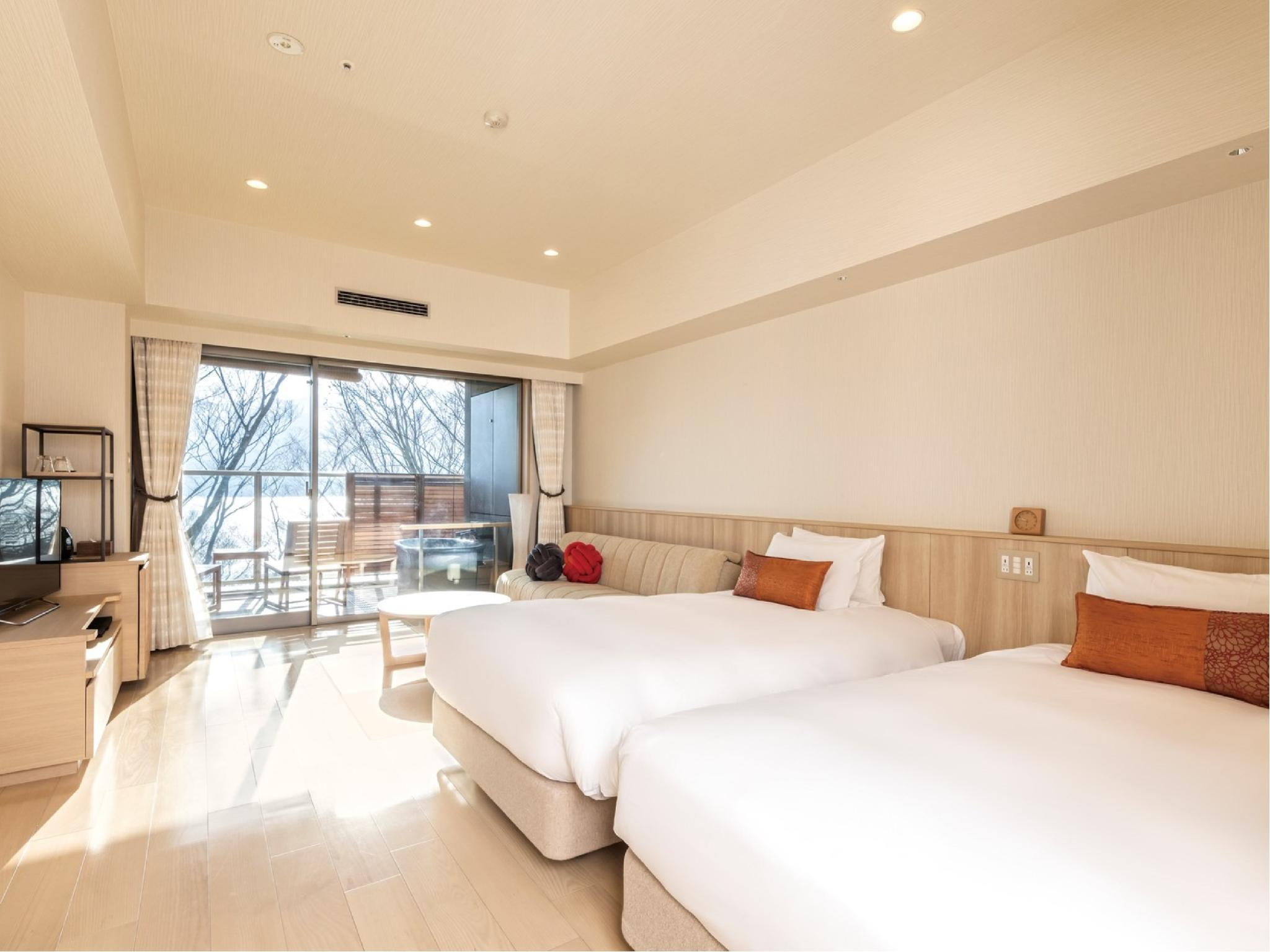 스탠다드룸 (노천탕) (Standard Room with Open-Air Bath)