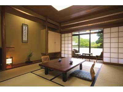 Japanese-style Room (12 tatami + 0.5-tatami Fumikomi)*No bath in room
