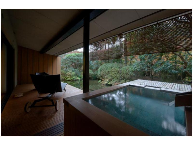 露天風呂付和洋室 (Japanese/Western-style Room with Open-air Bath (2 Beds, Main Building))