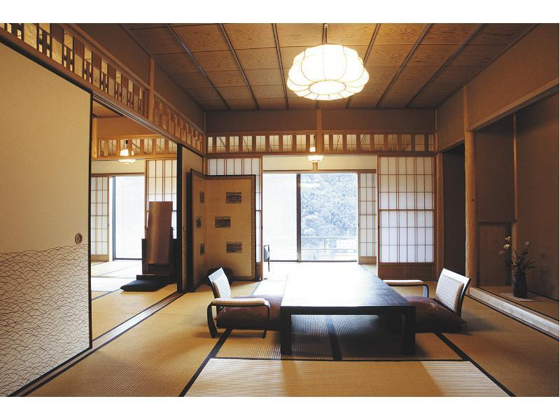 Japanese-style Corner Room (Type A)