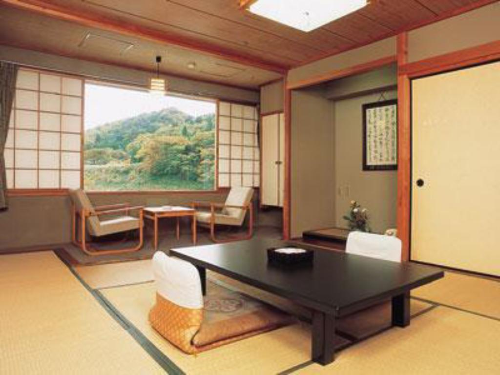 West Wing Japanese Style Room - Guestroom