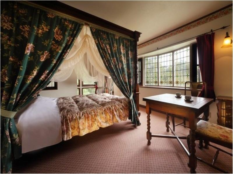 Double Room with Open-air Bath & Canopy Bed (No. 201)