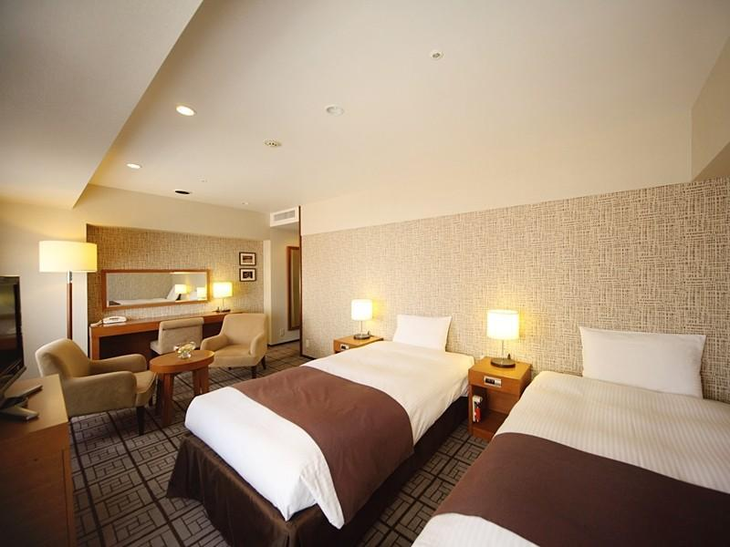 Premier Twin Room (Upper Floors)