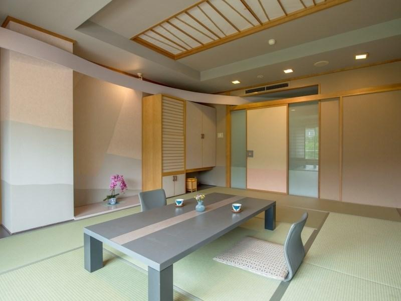 Japanese-style Room (Saison Court Wing) *Has bath