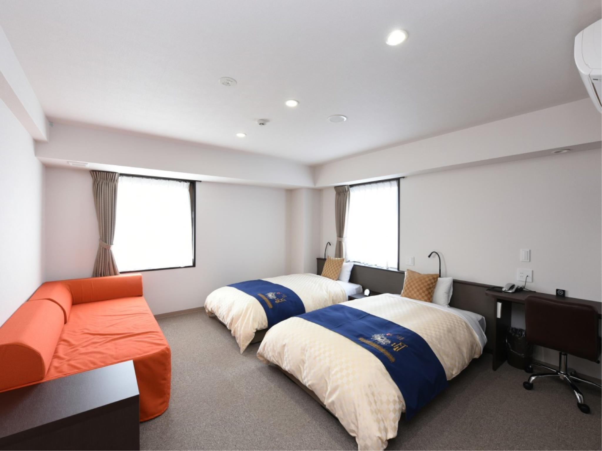 Wide Twin Room