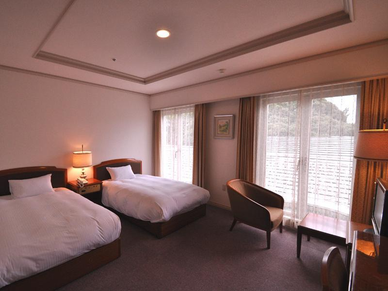 雙人雙床房 (Reasonable Twin Room)