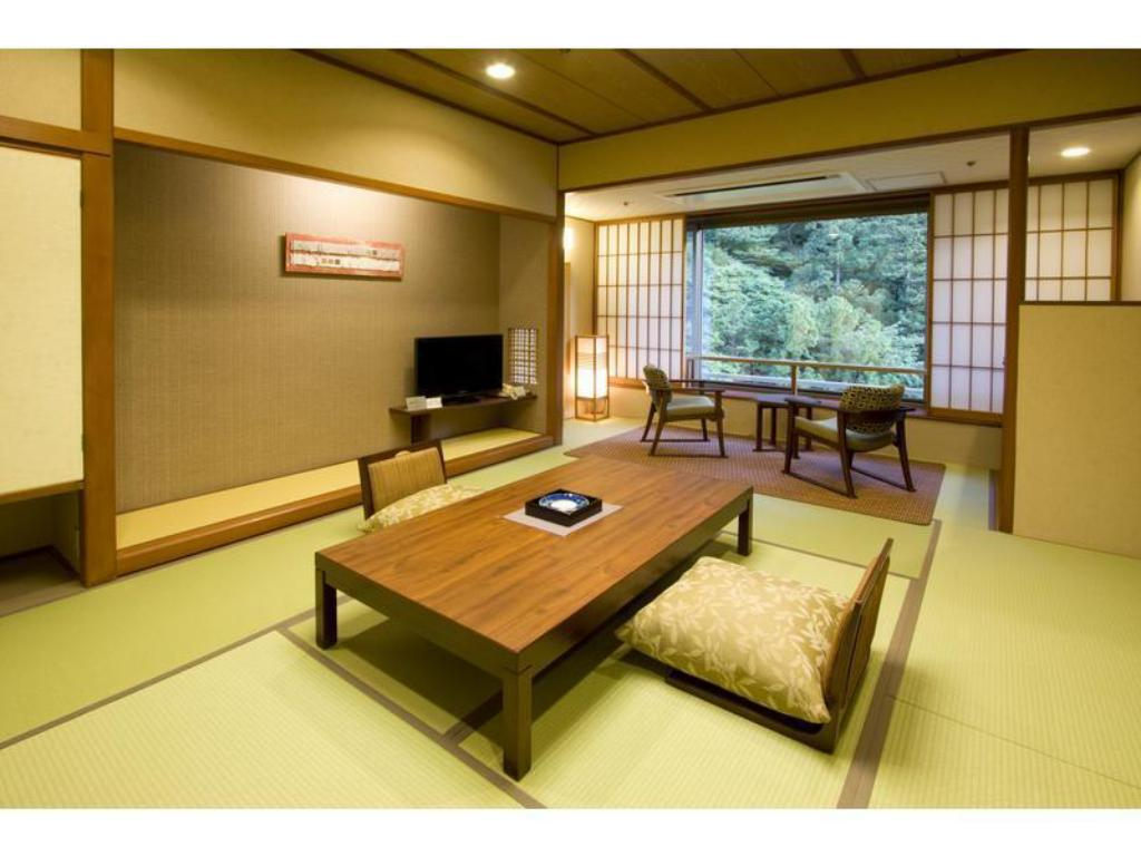 Japanese-style Room (Central Wing) - Guestroom Bankokuya