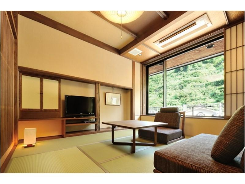 山躑躅 特別房(和式房+寢室+露天風呂) (Special Room (Japanese-style room + Bedroom + Open-air Bath, Yamatsutsuji Type))