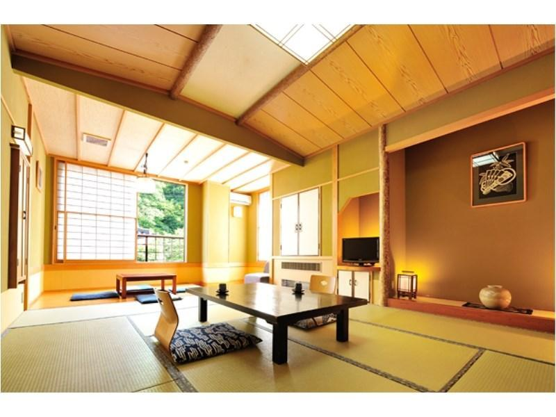 和式房+日式凹桌 (Japanese-style Room with Horigotatsu)