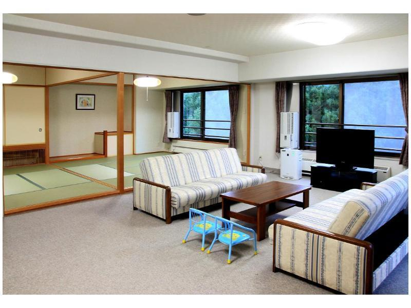 Large Japanese-style Room *Room for families with children (*Non-smoking from 2020/8/3)