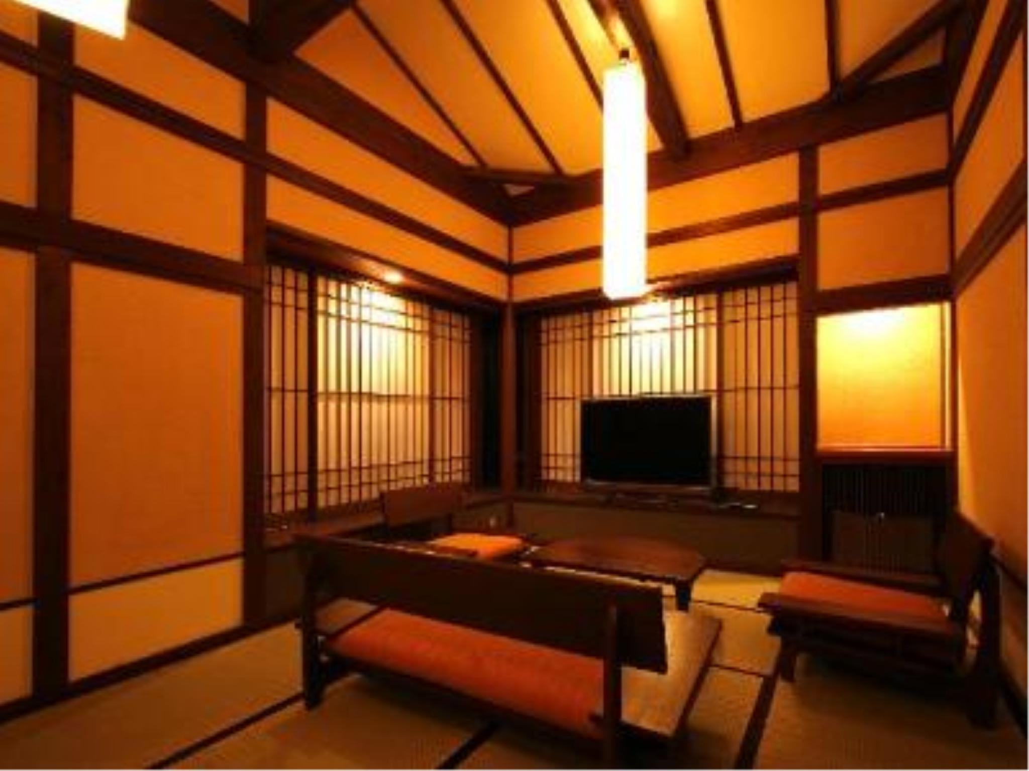 母屋 特别房(和洋式房+露天风吕) (Special Room with Open-air Bath (Main Building))