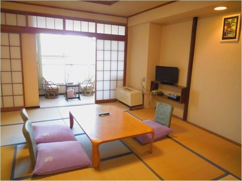 Japanese-style Room (Main Building) *Has toilet, no bath in room