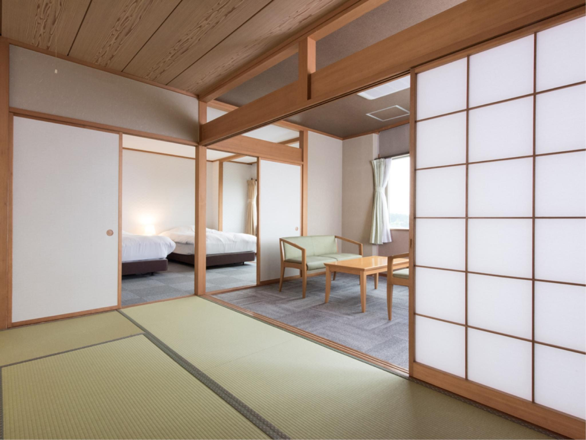 Wide Japanese/Western-style Room (Semi-double Beds) (*Non-smoking from 2020/2/17)