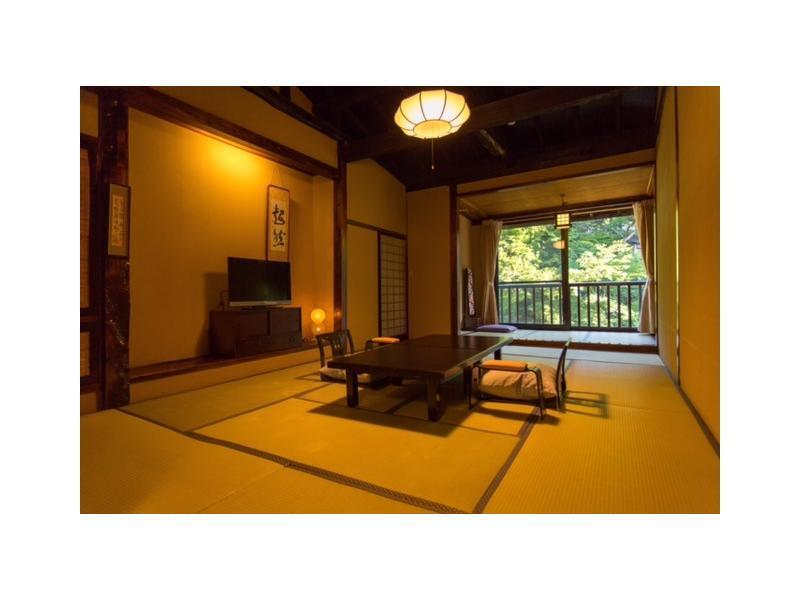和式房 (2020年4月1日起禁烟) (Japanese-style Room (Main Building) *Has indoor bath)