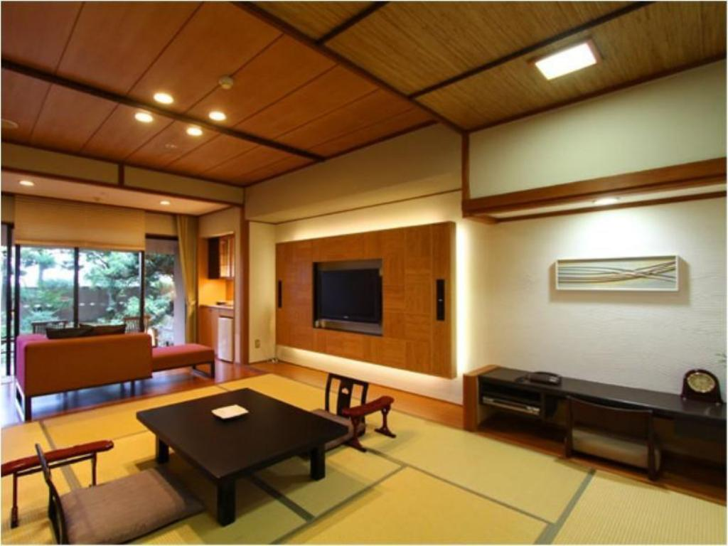Standard Japanese-style Room with Open-air Bath - Guestroom Grandia Housen