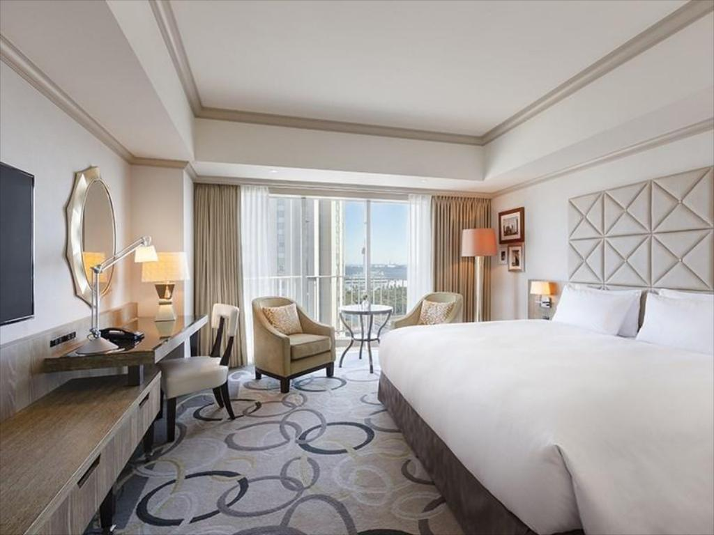 King Hilton Guest Room - Guestroom