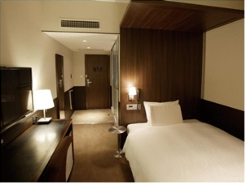雙人中床房A※無浴缸僅可淋浴 (Semi-double Room (Type A) *Has shower, no bath in room)