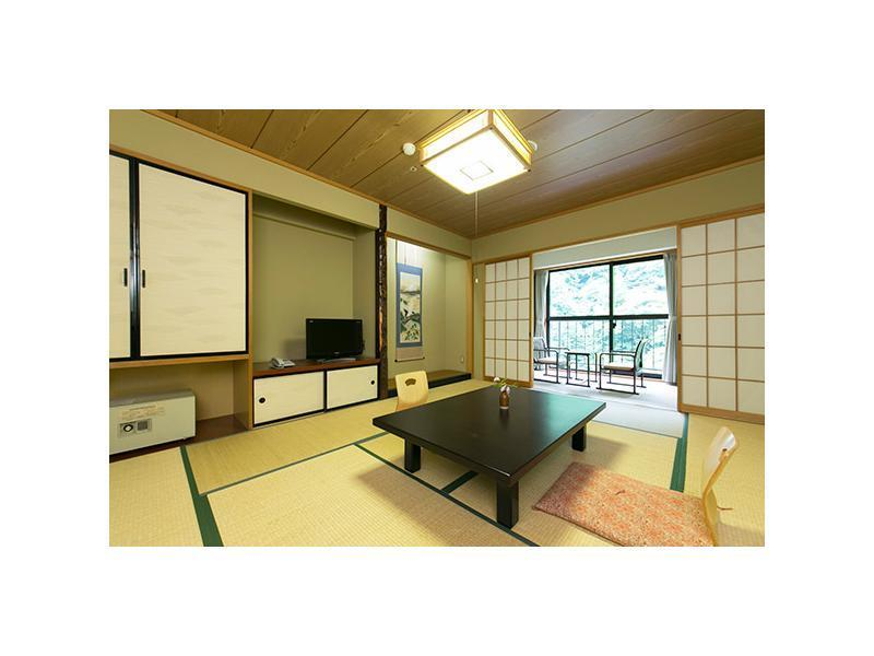 和式房 (Japanese-style Room  (*Non-smoking from 2021/04/01))