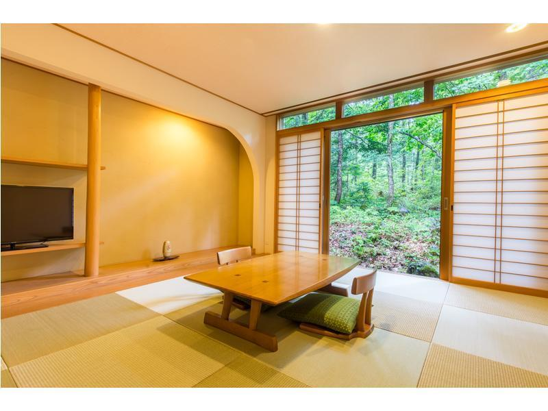 和室・露付|10畳+次の間8畳 (Japanese Style Room with Open-Air Bath)