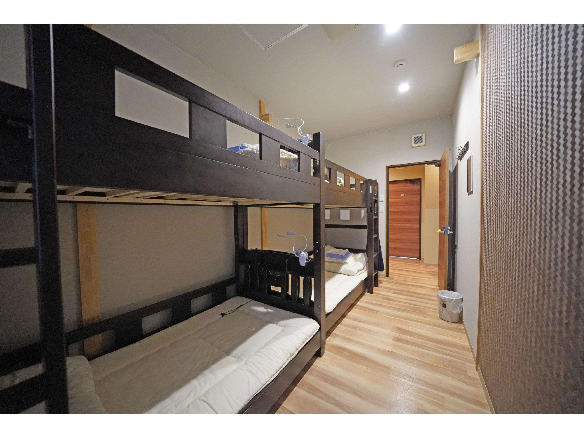 包租房(雙層床/四人房) (Private 4-Person Room (Bunk Beds))