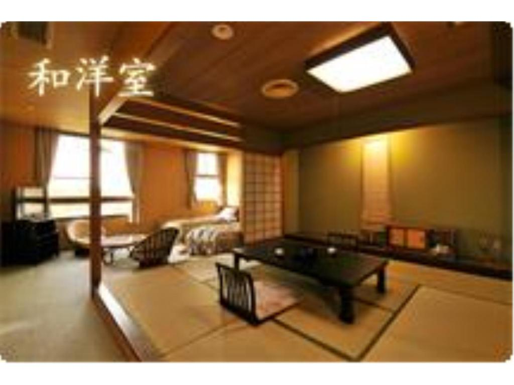 Japanese/Western-style Twin Room